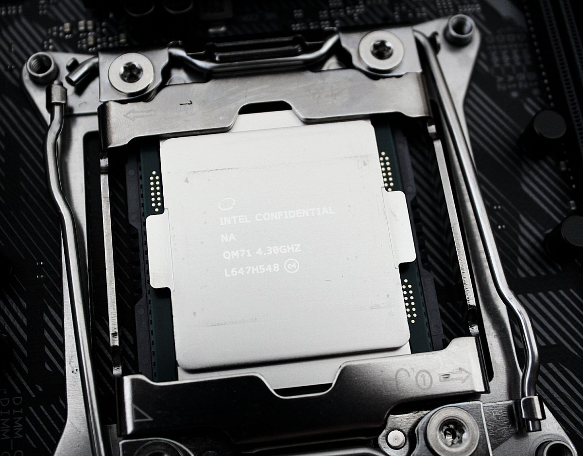 kaby-lake-x-intel-core-i7-7740x_223646.jpg
