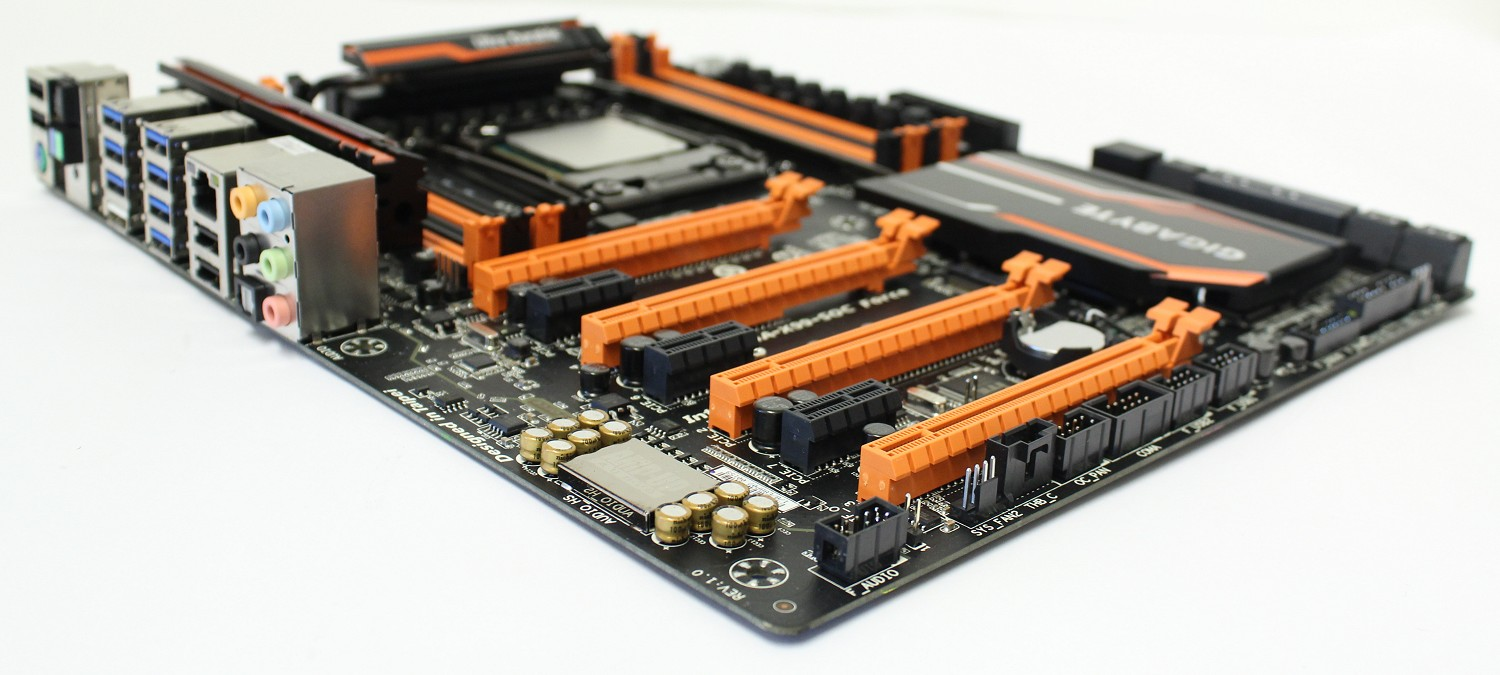 gigabyte-x99-soc-force-mainboard-04_196616.jpg