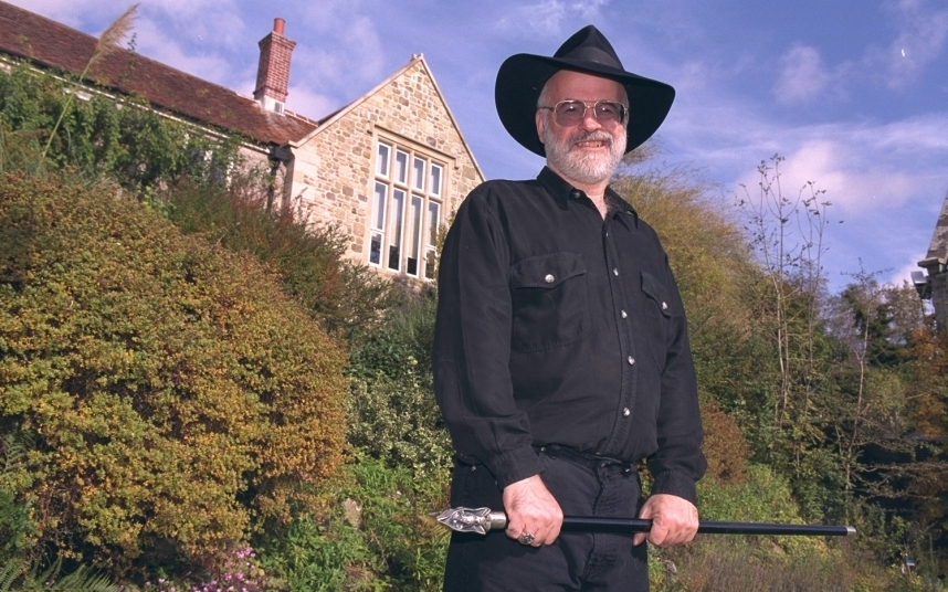 terry pratchett will live on in the clacks thanks to fans programming code 1